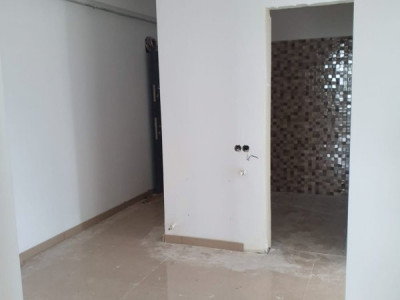 Apartament 3 camere, deosebit/ finisat