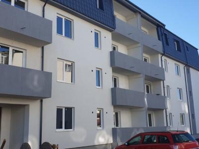 2 camere decomandate / bucatarie inchisa / balcon