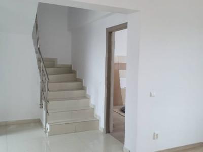 Casa single, zona linistita, Bragadiru Centru - 4 camere