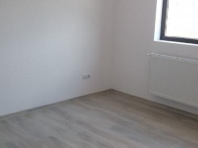 Apartament 3 camere la cheie / decomandat / loc de parcare gratuit