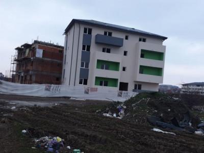 Garsoniera / cu balcon / zona centrala / finisata la cheie