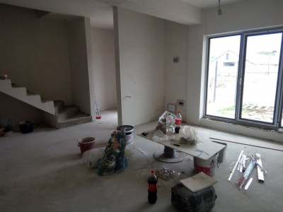 Modul central, 4 camere - curte proprie 90 mp/ spatii de depozitare