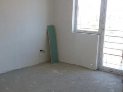 Cartier de case tip duplex, 4 camere/ acces privat/ poze reale