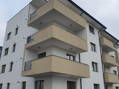 Apartament cu 2 camere/ finisat/ decomandat/ compartimentare tinereasca