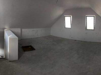 Casa Individuala cu mansarda open space/ placa de beton la etaj