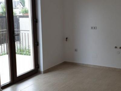 Casa Indivuduala 4 camere/ teren foarte generos/ predare la cheie