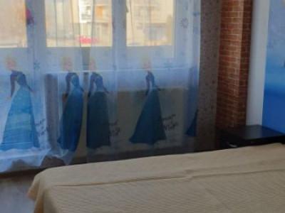 De inchiriat apartament cu 3 camere, strada Monumentului, central