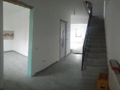 Mansarda amenajata, scara beton, 4 camere, mutare imediata-gaze functionale