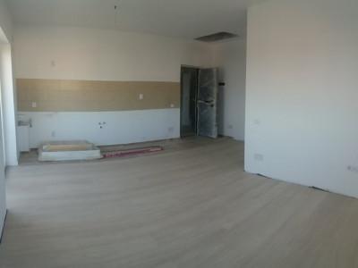 Apartament cu 2 camere in bloc construit recent