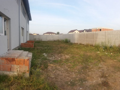 Triplex in zona noua din Bragadiru/ personalizare finisaje interioare