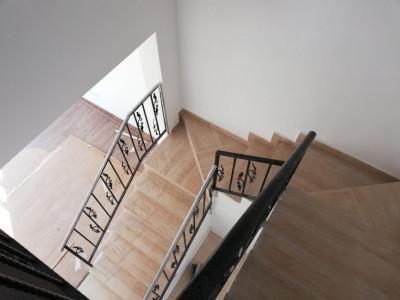 Duplex cu 4 camere, cartier privat nou/ Plevnei