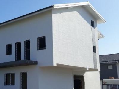Casa cu finisaje interioare de calitate la alegere/ predare la cheie