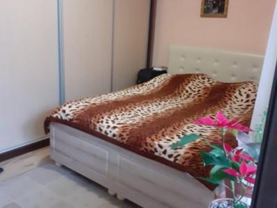Apartament 3 camere, semi-decomandat, partial mobilat-super pret si locatie