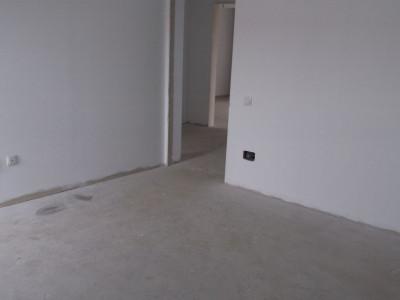 Apartament cu 3 camere, direct dezvoltator, pret foarte bun