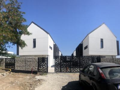 Casa duplex LUX, strada asfaltata, P+1E+M