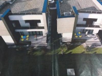 Casa individuala foarte spatioasa, 323 teren, terasa pe toata suprafata etajului