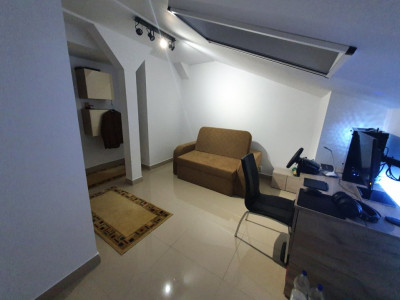 Penthouse/ 5 camere/mobilat si utilat/loc de parcare inclus