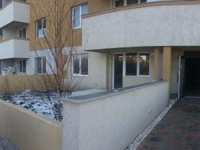 Apartament 2 camere/curte 50mp/2 locuri de parcare/COMISION 0%