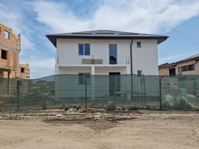 Casa single, teren 270mp, compartimentare moderna