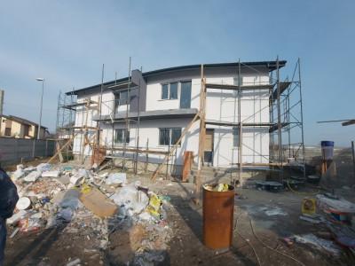 Casa tip duplex, moderna, zona in continua dezvoltare