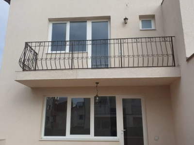Duplex de 120 mp utili, mansarda cu scara betonata