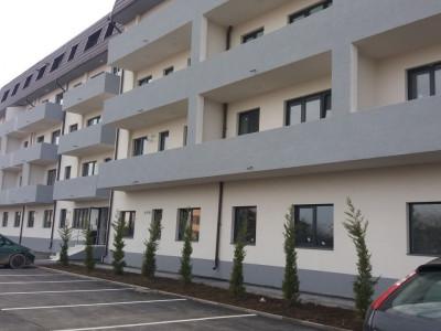 Apartament 2 camere, foarte spatios, etajul 3/4