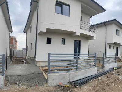 Casa individuala, pod pentru depozitare, cu placa de beton