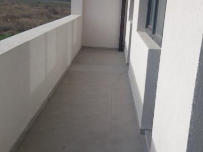 Apartament cu 3 camere, etajul 3/4/ bloc amplasat stradal