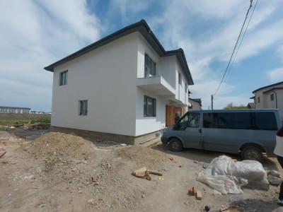 Duplex cu 4 camere spatioase, la pret avantajos
