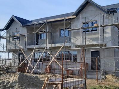 Casa tip duplex cu mansarda pentru depozitare