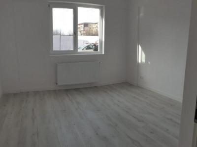 Garsoniera in bloc nou/ etaj intermediar
