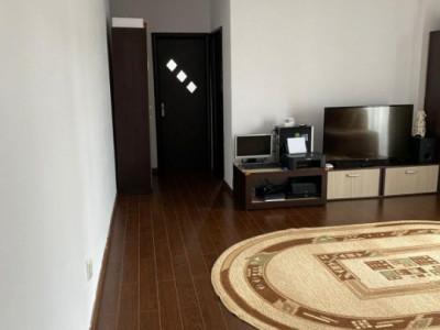 Apartament cu 2 camere, semi-decomandat, racordat la toate utilitatile