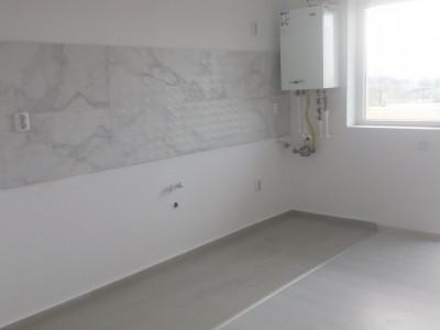 Apartament cu 2 camere/ 42 mp/ etaj 3