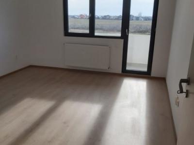 Apartament cu 2 camere, open-space, amplasare stradala