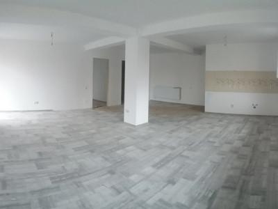 Apartament cu 3 camere, etaj 2, predare la alb