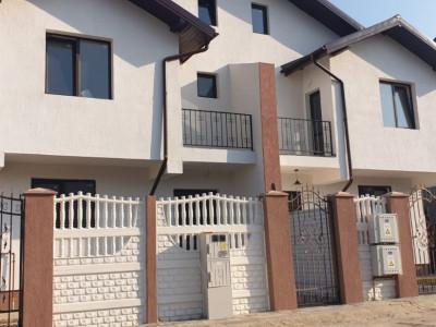 Casa tip duplex, cu teren liber de 165mp