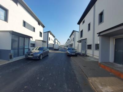 Cartier privat - duplex cu 4 camere, 3 dormitoare, balcon si pod depozitare