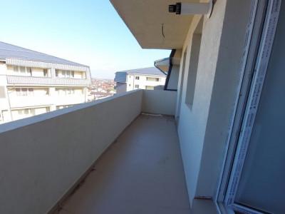 Apartament tip penthouse, 2 camere si mansarda cu scara interioara, 2 bai, ADM