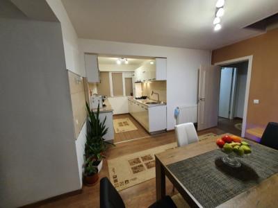 Apartament tip Penthouse, 5 camere, mansarda amenajata, scara interioara