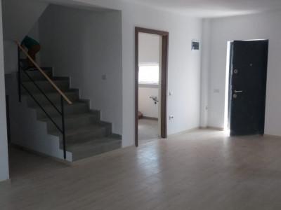 Duplex 4 camere la cel mai mic pret- in zona centrala