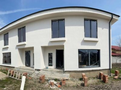 Duplex 4 camere, pod pentru depozitare/ incalzire in pardoseala