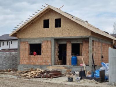 Casa singulara P+M teren 250mp/ in curs de finalizare