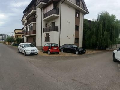 Apartament cu 2 camere/ bucatarie inchisa