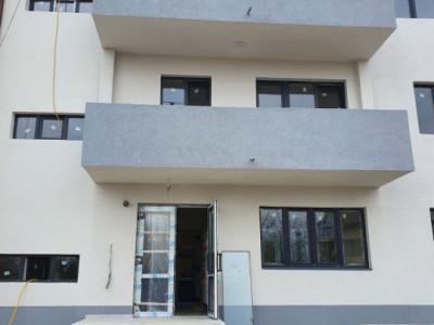 Apartament 2 camere, bucatarie inchisa/ cu loc de parcare