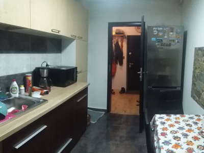 Apartament cu 2 camere/ cu foisor si gradina