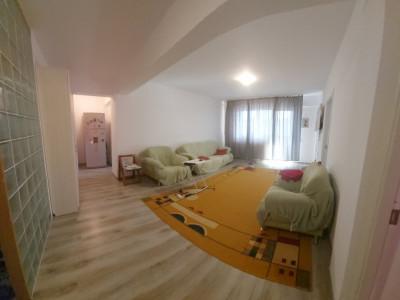 3 camere semi-decomandat, mobilat si utilat complet, apartament generos