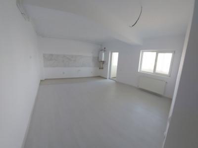 Garsoniera, finisaje moderne si bucatarie open space, baie-Bragadiru
