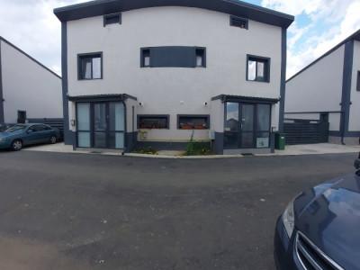 Duplex 4 camere, bucatarie inchisa, balcon si pod depozitare