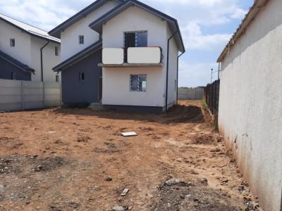 Individuala-4 camere, P+1E+POD depozitare, 2 placi beton, 500 mp curte generoasa