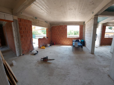 Parter generos cu 4 camere si mansarda locuibila, locatie lux, Cornetu
